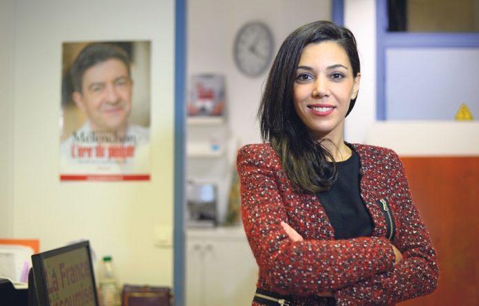 تطورات قضية صوفيا شيكيرو مستشارة جان لوك ميلينشون في قضية الاحتيال بفرنسا