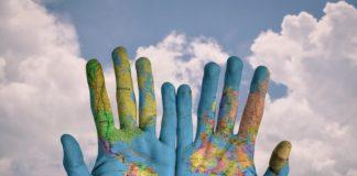 إن الانتقال والاستقرار في بلد جديد هو فكرة مثيرة للغاية بالنسبة للكثير من الناس. لكن شروط الهجرة تختلف من بلد إلى آخر. لذا ، إذن كيف يمكنك اختيار الوجهة المثالية للهجرة؟