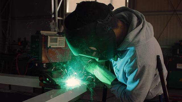 welder salary in canada راتب لحام كندا